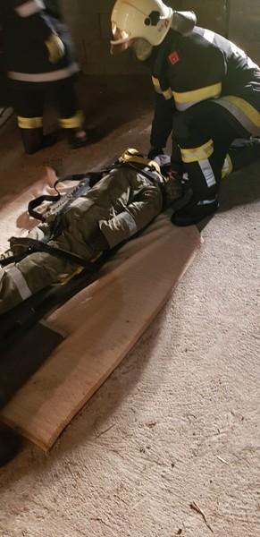 AS-Übung: Personenrettung aus Silo